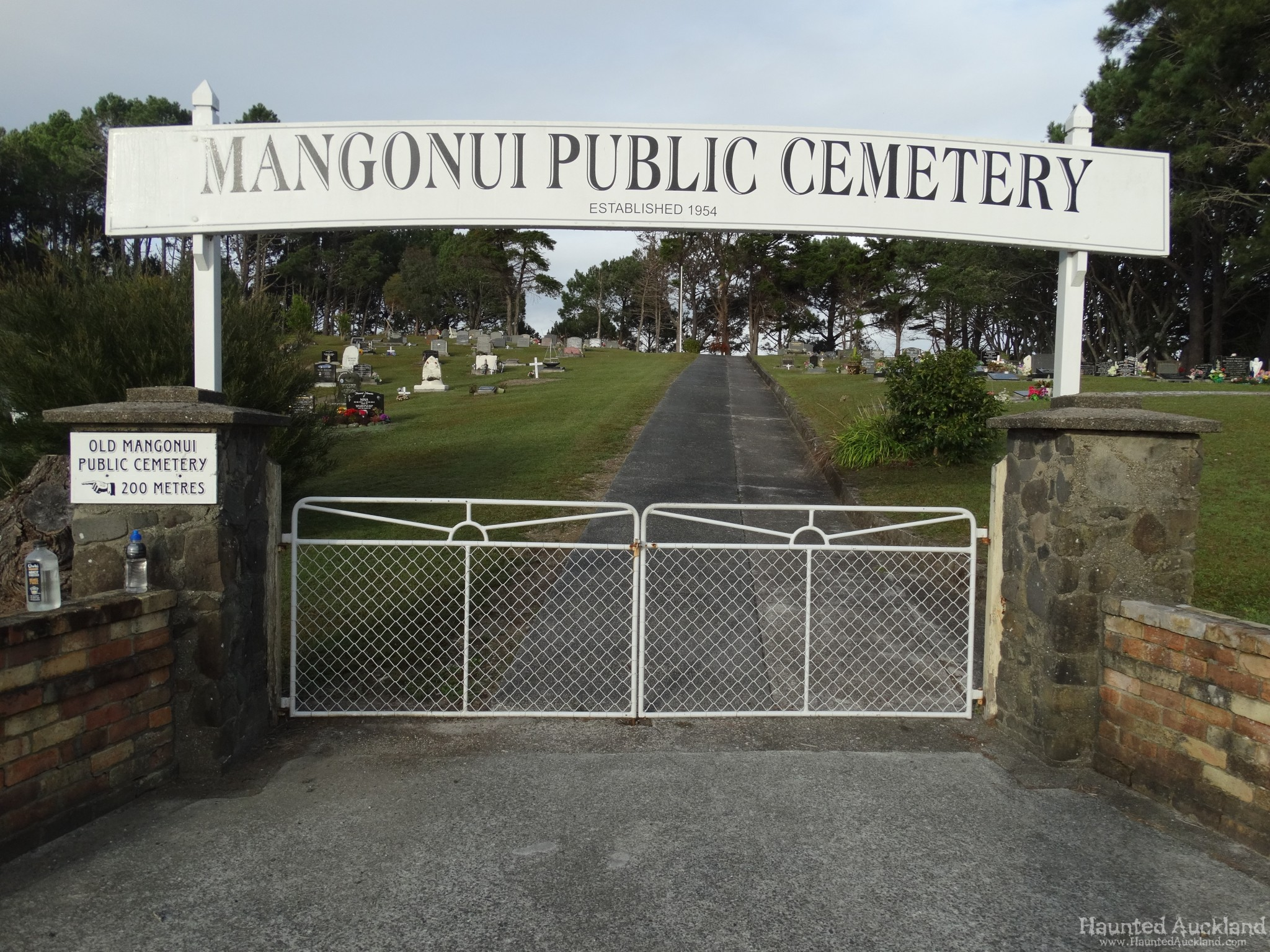 Mangonui Public & Old Cemetery