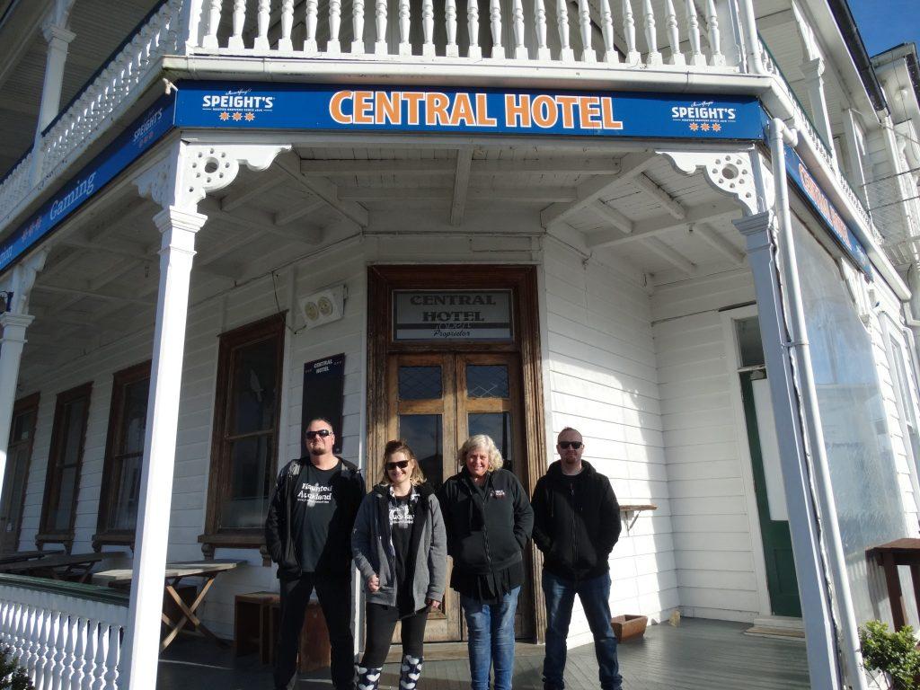 Mark, Marlene, Barbara and Sam at the Central Hotel - Dargaville